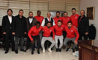 Mersin İdmanyurdu Yönetimi ve Futbolcularından, Başkan Kocamaz'a Ziyaret