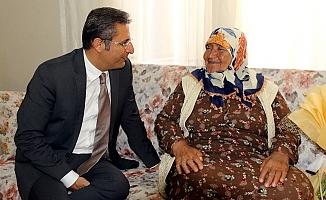 Başkan Pamuk, Yaşlıların Evlerine Konuk Oldu