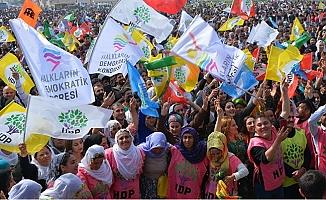 Mersin'de HDP Nevruz'u 10 Bin Kişi ile Kutladı