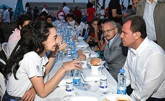 Başkan Seçer, 19 Mayısta Gençlerle İftar Yaptı.