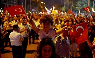 Mersin'de Atatürk Sevdalıları Fener Alayında Buluştu.
