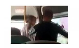 Mersin'de Koca, Karısını Yolcu Minibüsünde Yumrukladı