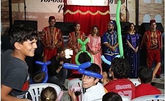 Toroslar'da Çoçukları Sevindiren Ramazan Panayırı