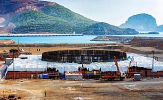 'Türkiye'nin Mersin'deki İlk Nükleer Santralindeki Çatlağı Betonla Doldurmuşlar'