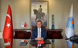 Başkan Vahap Seçer, Babalar Gününü Kutladı.