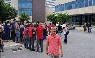 Mersin Şehir Hastanesinde İşçiler Kazan Kaldı