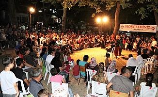 Tiyatrocular Mahallelerde Perde Diyor