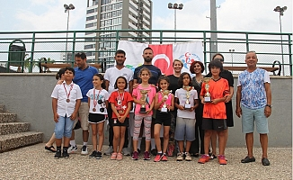 Toroslar'ın Tenis Sporcuları Gelecek Vaat Ediyor