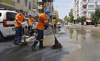 Yenişehir Sokaklarında Üçlü Temizlik