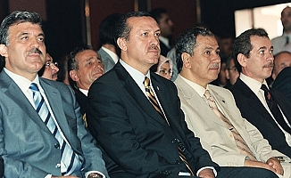 Eski Bakan: AKP'nin Programını Ben Yazdım, Tabanın Tepkisi Artacak