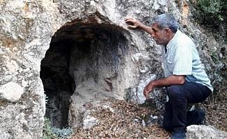 Tarsus'taki Kaya Mezarları Tarihe Işık Tutacak