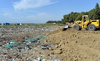 Adanalıoğlu Eski Çöp Döküm Alanı Toprakla Kapatılıyor