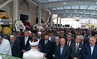 Eski Mersin Valisi Özdemir Çakacak'ın Kayınvalidesi Kadriye Bayraktar Vefat Etti
