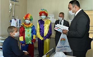 Başkan Yılmaz'dan Lösemili Çocuklara Moral Ziyareti