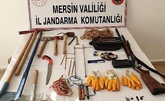 Mersin'de Kaçak Kazıya 5 Gözaltı