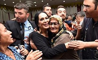 Türkan Şoray,Tarsus'da Şahmeran Etkinliğinde Sevenleriyle Buluştu