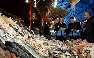 Akdeniz Belediyesinden Balık Halinde ve Kasaplar Çarşısında Denetim