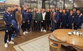 Ankara Tarsuslular Derneği TİY Futbolcularını Yalnız Bırakmadı