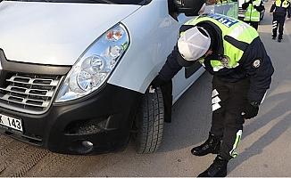 Emniyetten Mersin'de Sürücülere Kar ve Kış Lastiği Uyarısı