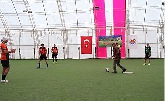 MTSO Futbol Şöleni Başkan Kızıltan'ın Vuruşu ile Başladı