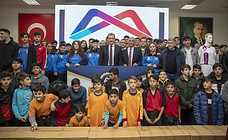 Büyükşehir Belediyesi 85 Spor Kulübüne Yardımda Bulundu