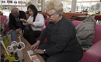 Emekliler Atık Malzemelerden Yeni Eşyalar Üretiyor