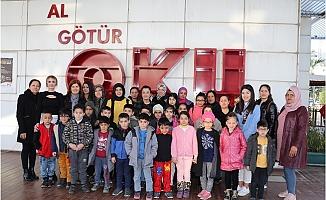 TEGV Öğrencileri Büyükşehir Belediyesi Kütüphanesi ile Tanıştı