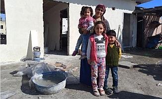 4 Çocuğuyla Sıcak Yuvasına Kavuşmayı Bekliyor