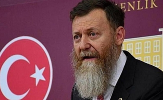 Eski CHP Milletvekili Aytuğ Atıcı, CHP Genel Başkanlığı'na Aday Oldu.