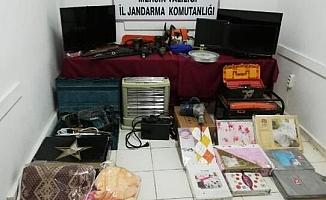 Erdemli'de 17 Hırsızlık Olayına Karışan 4 Şüpheli Yakalandı