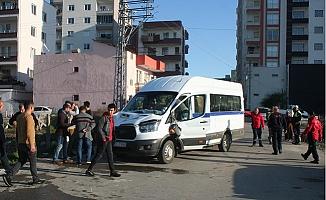 Erdemli'de Öğrenci Servisine Hafif ticari Araç Çarptı: 15 Çocuk Yaralı