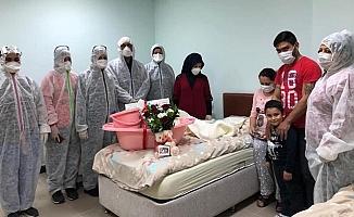 Mersin'de Karantina Yurdunda Doğum Yaptı