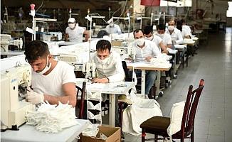 Tarsuslu Tekstilciden Ücretsiz 30 Bin Maske