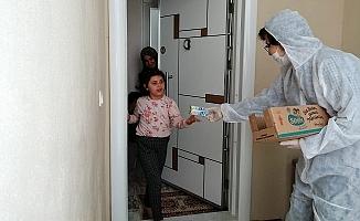 Büyükşehir, Koronavirüs Sürecinde de Çocukları Sütle Buluşturuyor