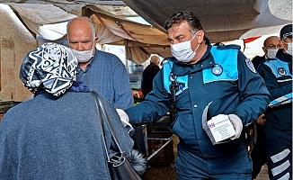 Mersin Büyükşehir Belediyesi, Ücretsiz Maske Dağıtıyor