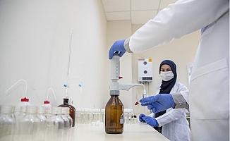 Mersin Büyükşehir Meski Laboratuvarı'nda Dezenfektan Üretip Halka Dağıtıyor