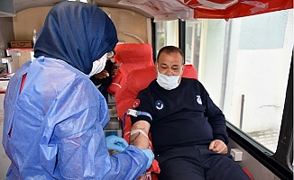 Tarsus Belediyesinden Kızılay'a Kan Bağışı