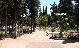 Mersin'de Mezarlıklar, Bu Bayram Boş Kaldı