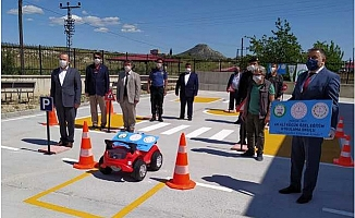 Mut'da Trafik Haftasında Okul Bahçesine Engelsiz Trafik Parkuru Yapıldı.
