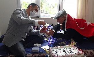 Silifke'de 111 Yaşında Yaşayan Çınar, Ali Rıza Can'a Süpriz Doğum Günü