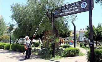 Akdenizde, Park ve Yeşil Alanlar Zararlı Böceklere Karşı İlaçlanıyor