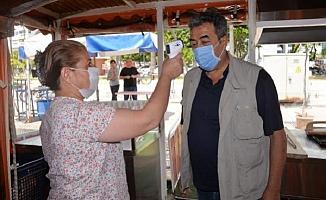 Mersin'de Balık Ekmek Tekneleri Müşterilerini Bekliyor