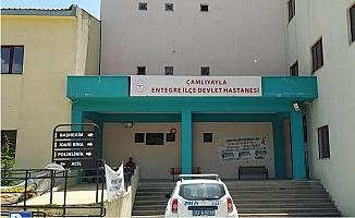 Mersin'de Doktora 'Sizi Boşuna Dövmüyorlar' Diyen Çifte Gözaltı