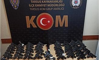 Mersin'de 'Silah Ticareti' Operasyonunda 13 Kişi Gözaltına Alındı.