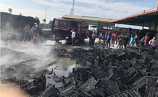 Tarsus Sebze Halindeki Yangında 10 Bin Plastik Kasa Yandı