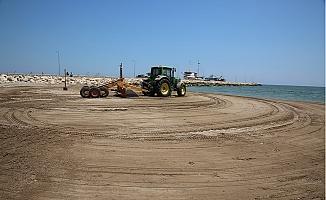 Karaduvar Sahili Çöp ve Atıklardan Arındırıldı.