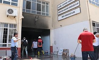 Mersin'de Bir Okulda Meydana Gelen Patlamada 2 Öğretmen Yaralandı