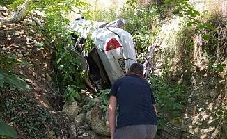 Gezintiye Çıkan Kuzenlerin Otomobili Uçuruma Yuvarlandı: 5 Yaralı