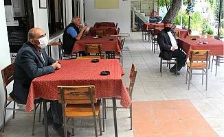 Mersin'de Kıraathaneciler Tepkili