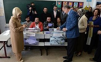 Selvi Anket Açıkladı: Erdoğan Birinci Turda Seçimi Kazanıyor